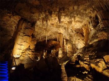 Grottes des Canalettes - activité en famille en Languedoc-Roussillon