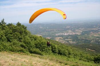 Parapente dans les Pyrénées-Orientales proche de votre location de vacances